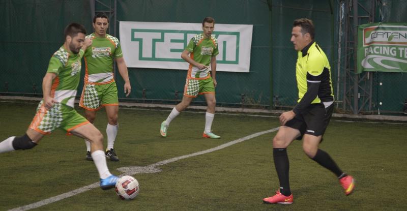 Echipa de fotbal CATENA RACING TEAM in actiune_foto 1