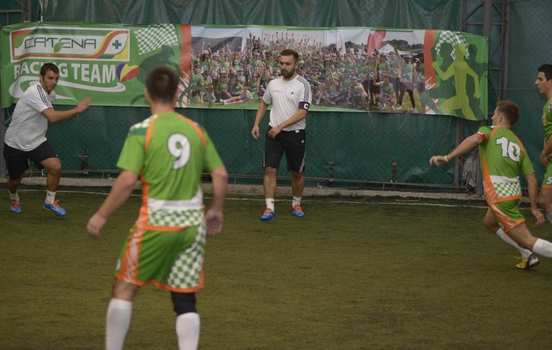 Echipa de fotbal CATENA RACING TEAM in actiune_foto 2