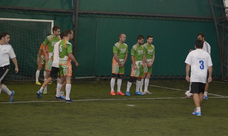 Echipa de fotbal CATENA RACING TEAM in actiune_foto 3