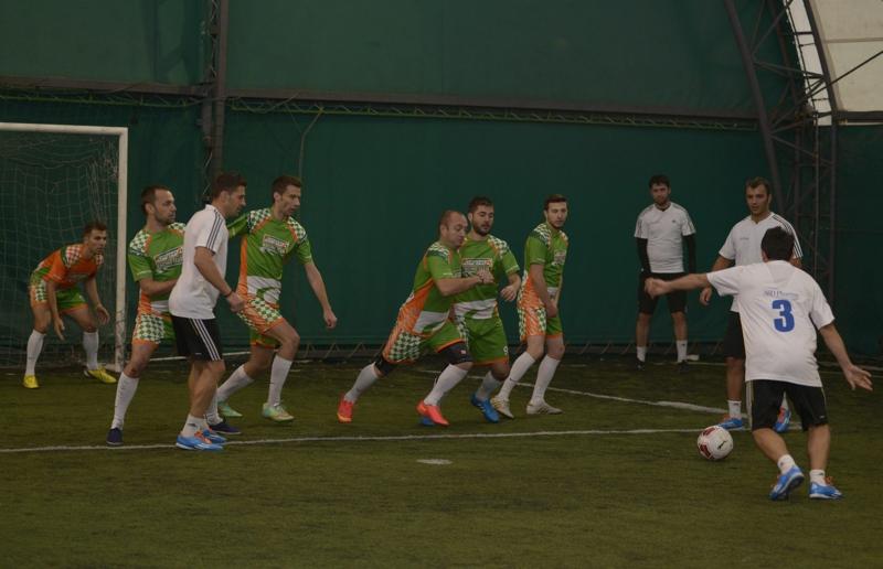 Echipa de fotbal CATENA RACING TEAM in actiune_foto 4