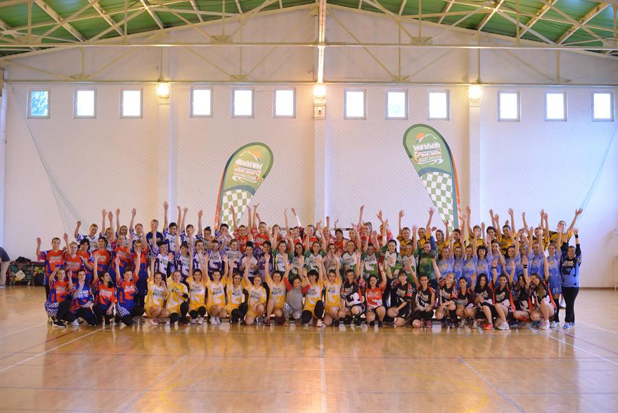 Campionatul Feminin de Handbal Catena Racing Team Prinde Aripi, editia I, Brasov, 2015