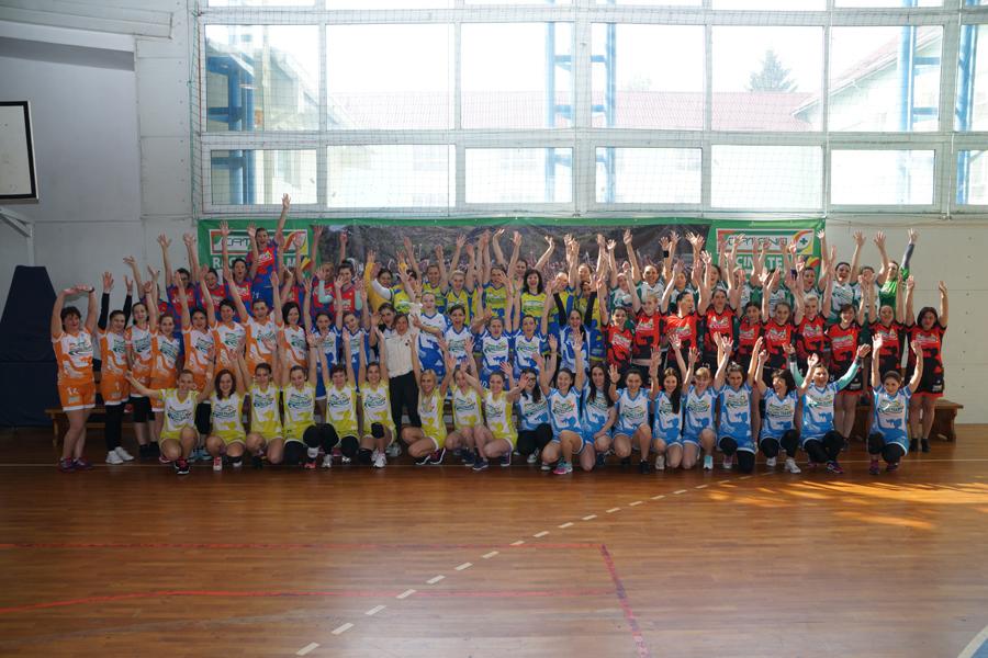 Campionatul de Handbal Feminin Catena Racing Team Prinde Aripi 2016