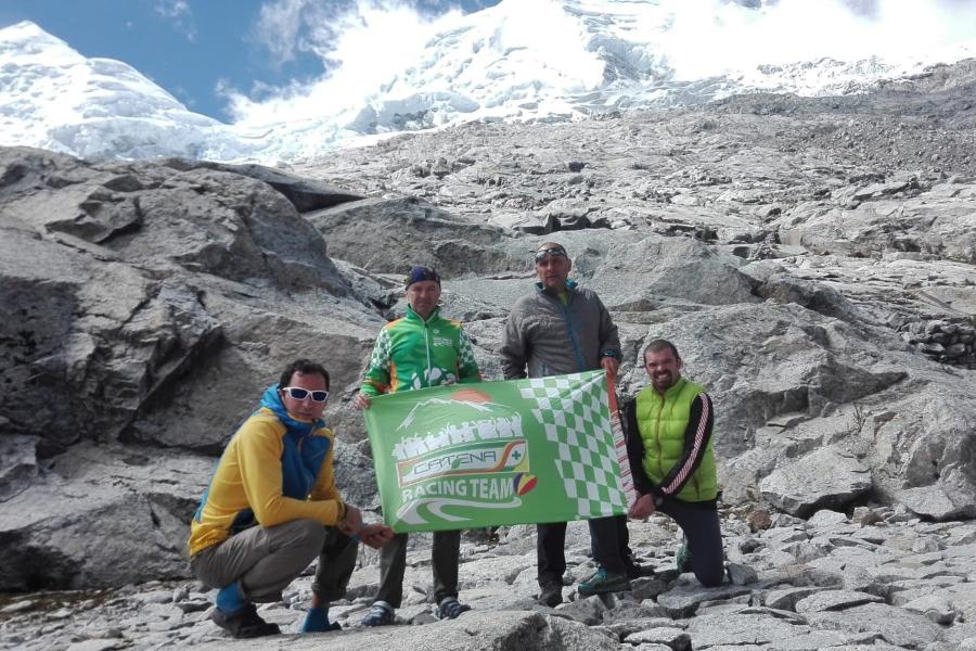 Steagul Catena Racing Team a ajuns pe Varful Huascaran (6.768 m)!!!